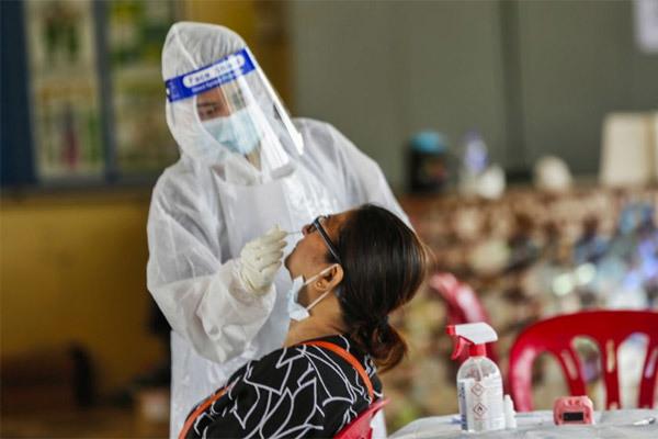 Malaysia ghi nhận kỷ lục hơn 5.700 ca nhiễm Covid-19 một ngày