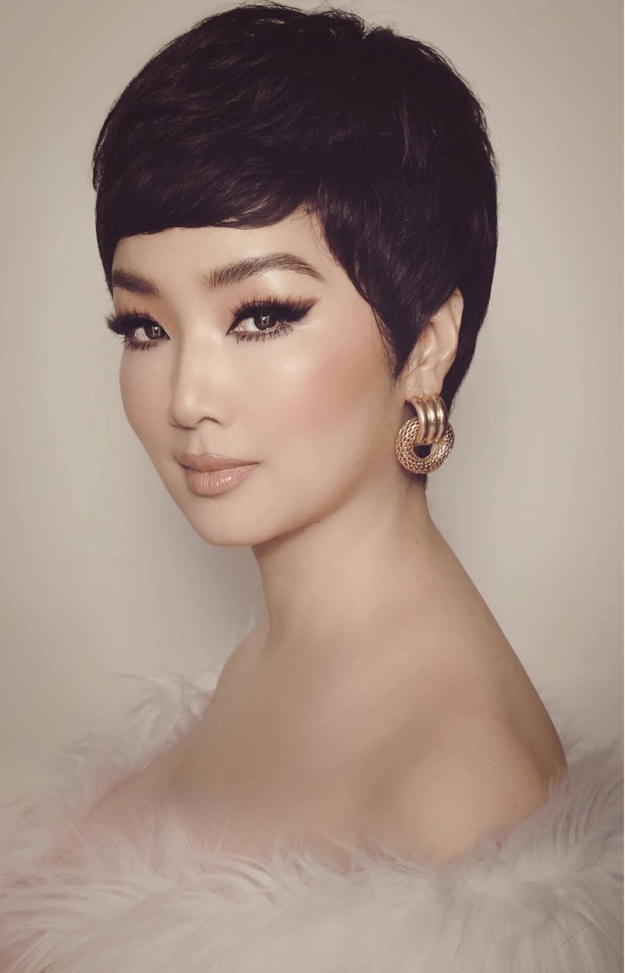 Diễn viên Hồng Diễm xinh đẹp tuổi 39