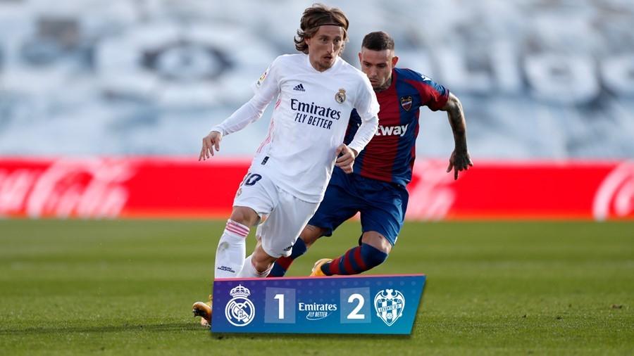Chơi thiếu người, Real Madrid phơi áo ngay trên sân nhà
