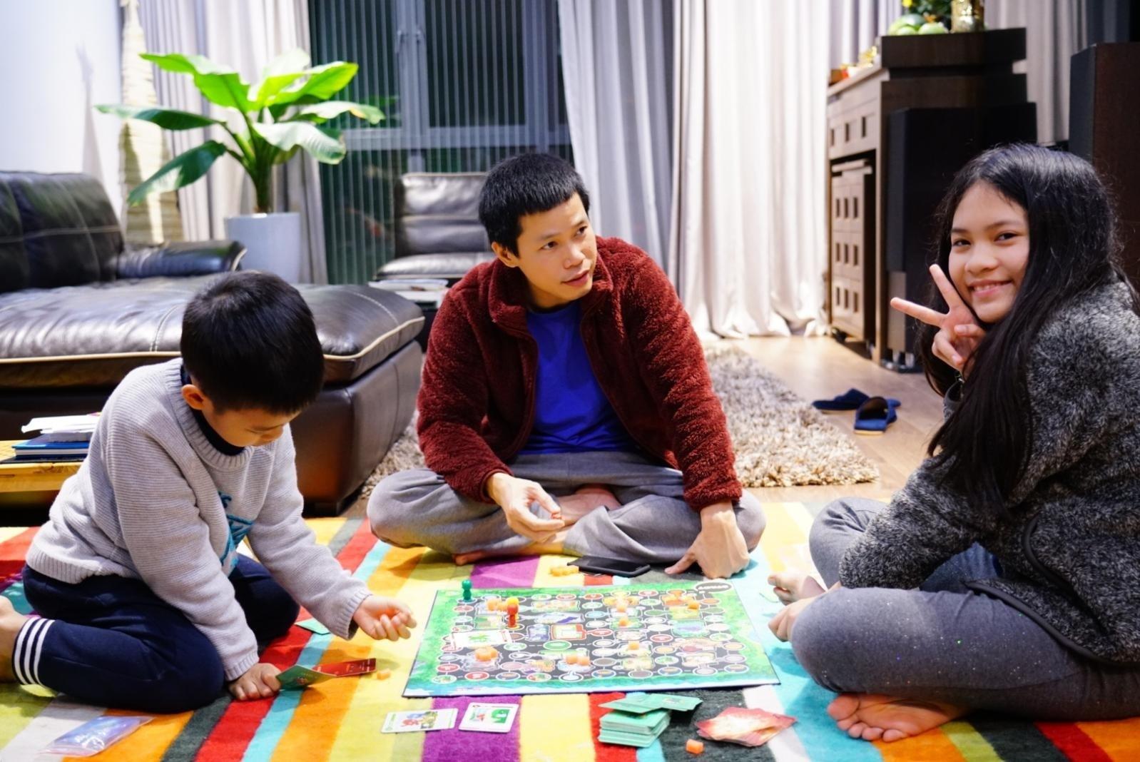 Muôn cách xoay xở của phụ huynh Hà Nội khi trường học 'đóng cửa'