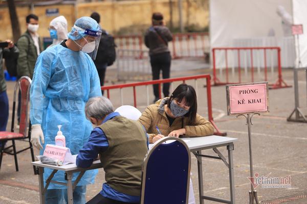 Nhân viên ngân hàng ở Hà Nội nhiễm Covid-19