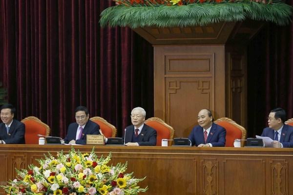 Độ tuổi của 18 ủy viên Bộ Chính trị khóa XIII