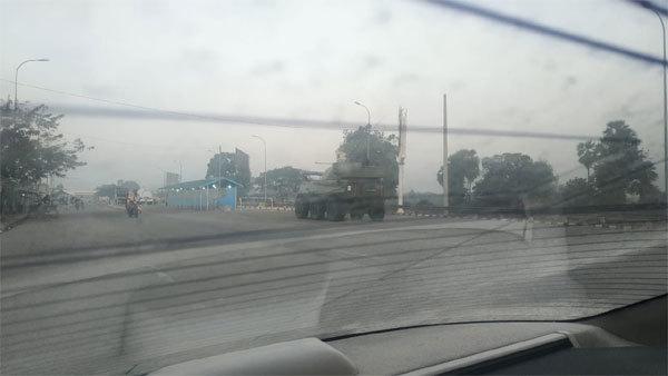 Hình ảnh thủ đô Myanmar dày đặc xe quân sự sau chính biến