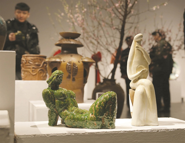 Sculptors showcase pottery artworks to mark their club's opening