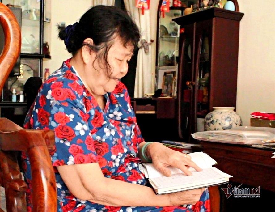 Bà cụ 40 năm nhặt ve chai, nuôi heo đất lo Tết cho người nghèo