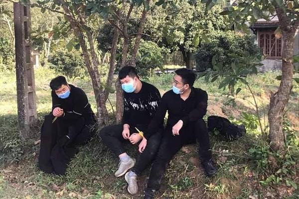 Truy tìm tài xế chở 4 người Trung Quốc nhập cảnh trái phép