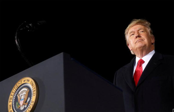 Đảng Dân chủ quyết không buông tha ông Trump
