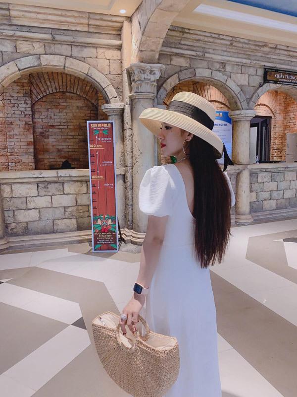 Lên đồ yêu kiều, nổi bật với Trinh Nguyễn Boutique