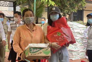 Nova Group tặng quà Tết cho 800 hộ nghèo ở Đồng Tháp