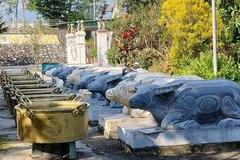 Ngôi đền Chín Gian có 9 trâu quỳ gối độc đáo bậc nhất xứ Nghệ