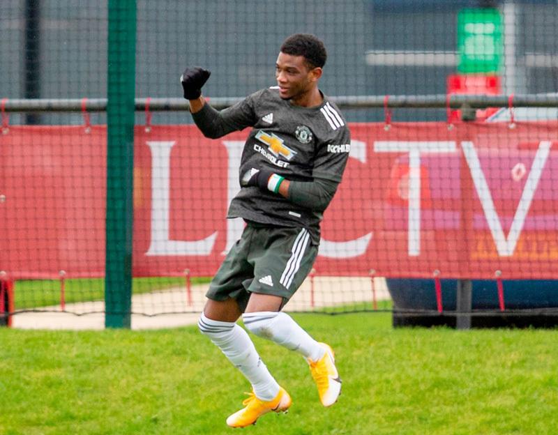 Solskjaer đôn 'máy ghi bàn' 17 tuổi lên đội một MU
