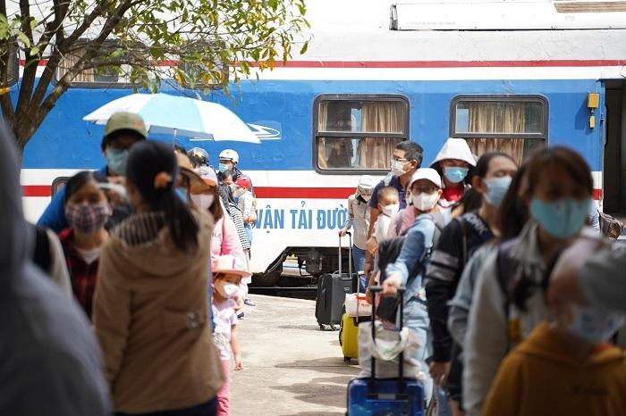 Bình Thuận yêu cầu vận động nhân dân tạm dừng tổ chức đám cưới, hội chợ