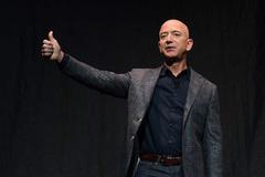 Jeff Bezos tuyên bố rời ghế CEO của Amazon