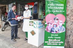 Trung Sơn Pharma tặng 100.000 khẩu trang cho người nghèo
