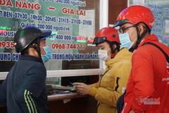 Nhà ga, bến xe ở Đà Nẵng ảm đạm, khách lo dịch trả vé Tết hàng loạt