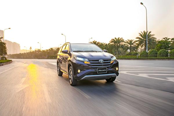 Gần Tết, người dùng 'tậu' Toyota Rush không đắn đo