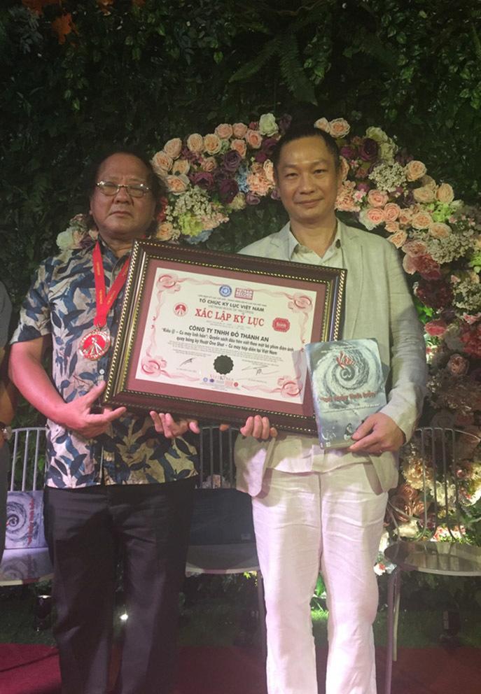 Sách 'Kiều @ - Cú máy linh hồn' được xác lập kỷ lục Guiness Việt Nam