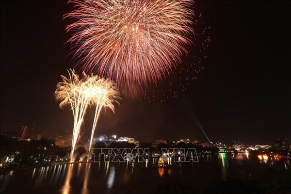 Hanoi to set off fireworks at only one location in Lunar New Year's Eve