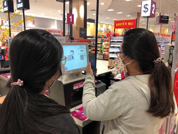 Tăng trải nghiệm khách bằng công nghệ số - cuộc đua của ngành bán lẻ