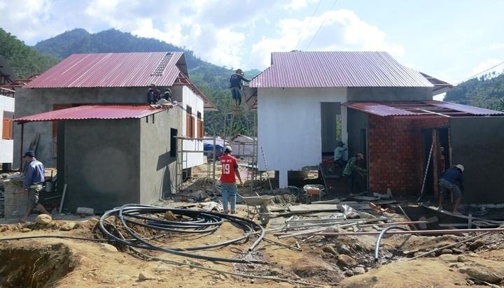 Người dân vùng sạt lở Trà Leng sắp có nhà mới đón Tết