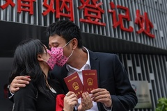 Khóa học cách cứu vãn hôn nhân đắt đỏ ở Trung Quốc