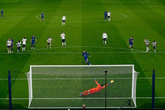 Mourinho: 'Thua Chelsea như thế này quả là đau'