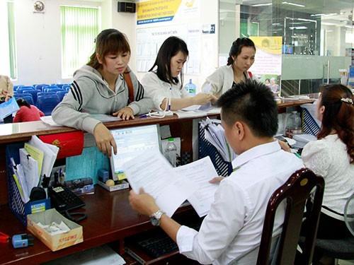 Thời gian tới, công chức không còn hưởng khoản thu nhập ngoài lương