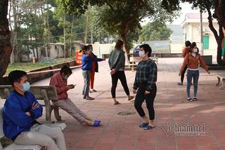 Patients in a quarantine zone in Vietnam's Covid-19 hotspot Chi Linh