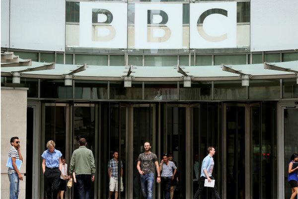 Trung Quốc lao vào 'cuộc chiến truyền thông' với nước Anh