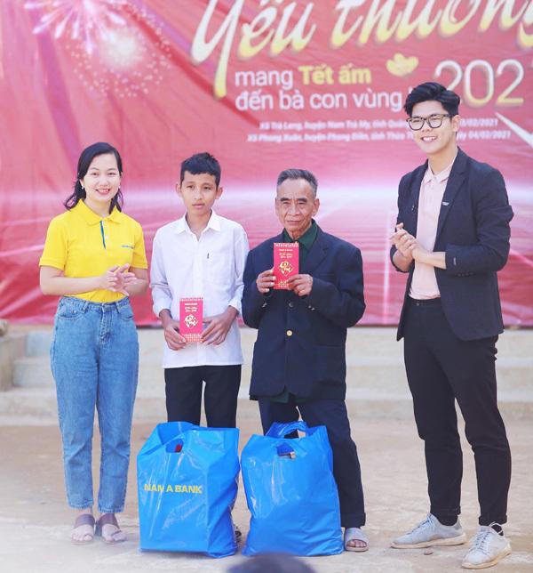 Nam A Bank mang 'Tết ấm' đến bà con Trà Leng, Rào Trăng
