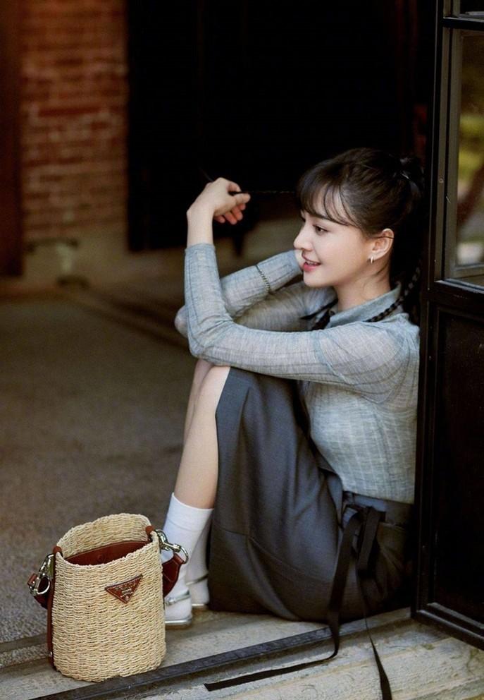 Thời trang của Trịnh Sảng trước khi gặp scandal sóng gió