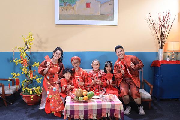 Nhật Kim Anh ra mắt MV 'Tết phơi phới'