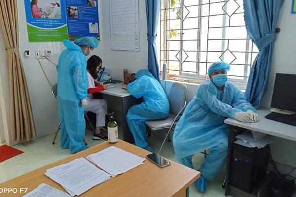 Bộ trưởng Y tế: Lãnh đạo Cục, Vụ chống dịch cũng ngủ đất