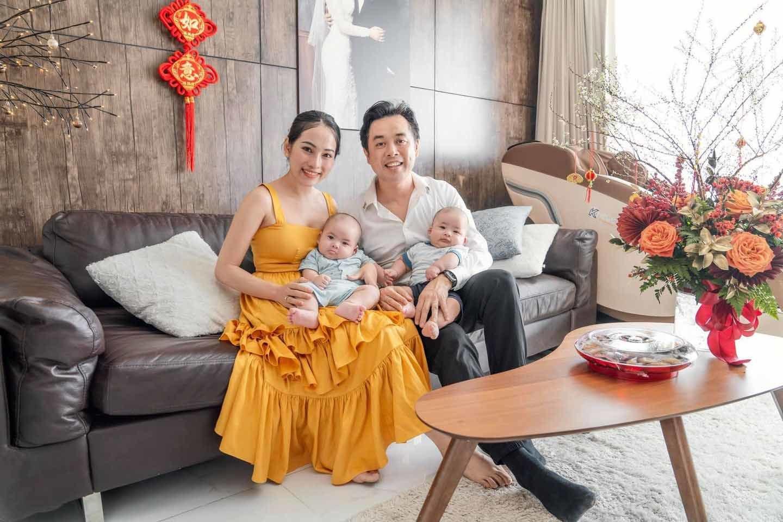 Mr. Đàm, Ngọc Trinh cùng nhiều sao Việt trang hoàng nhà đón Tết