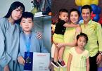 Hai con Vân Quang Long khoe thành tích học tập trước bàn thờ bố