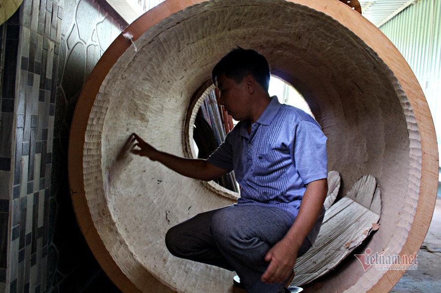 Hậu duệ làng nghề 200 năm tuổi kể bí mật làm chiếc trống trăm triệu đồng