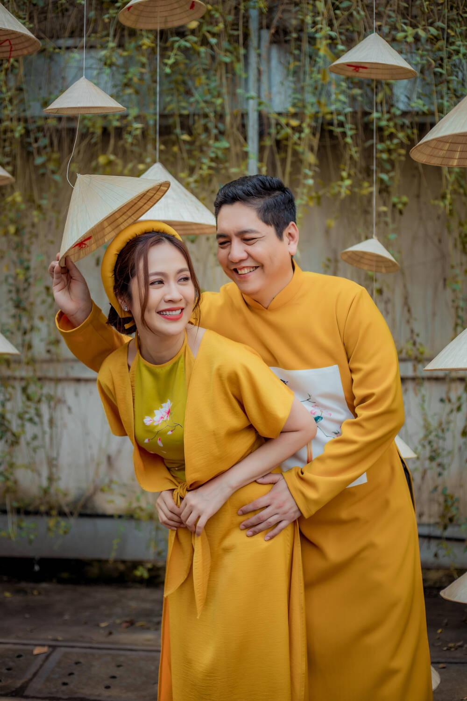 Bộ ảnh Tết rất đáng yêu của vợ chồng Thanh Thúy – Đức Thịnh
