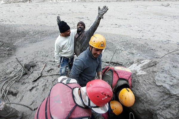 Hình ảnh thảm họa vỡ sông băng khổng lồ ở Ấn Độ