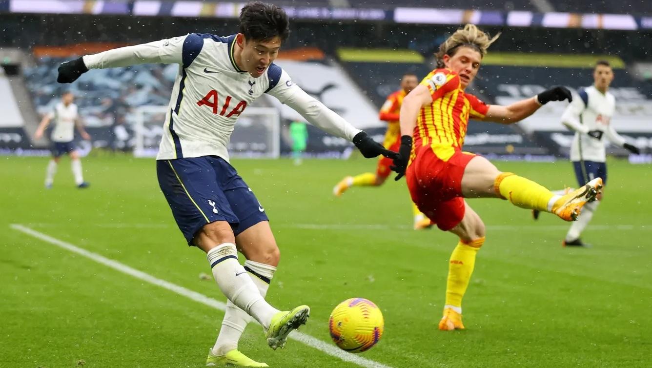 Harry Kane tái xuất ghi bàn, Tottenham thắng rửa mặt