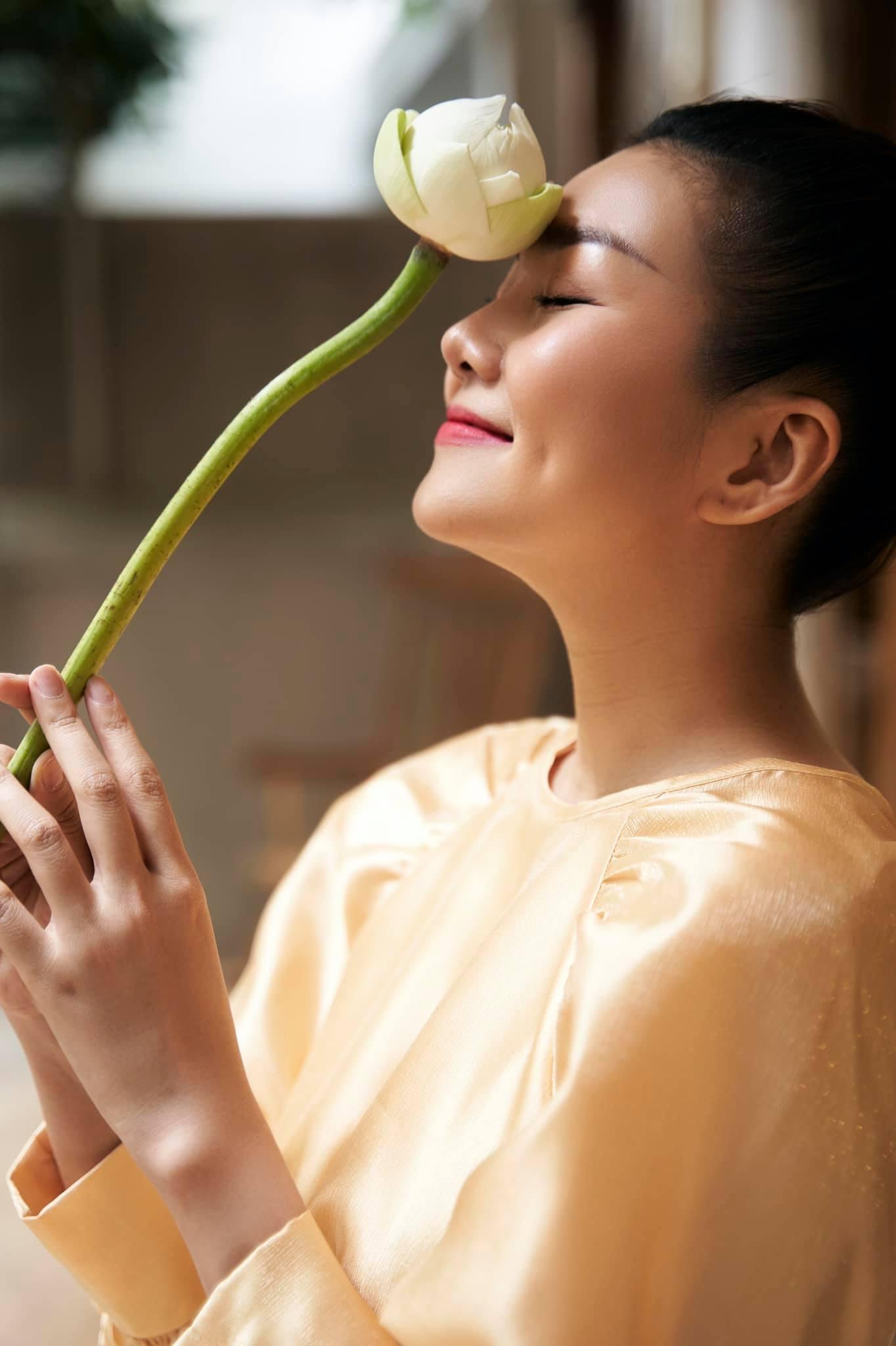 Ca sĩ Như Quỳnh phúc hậu tuổi 51