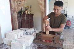 The village that makes unique rice cake