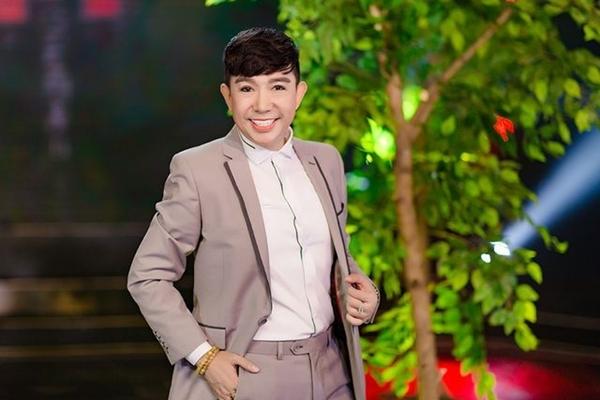 Long Nhật chia sẻ 'Tôi nịnh vợ và 4 con rất giỏi!' - VietNamNet