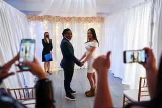 Tiệc cưới siêu nhanh, siêu nhỏ