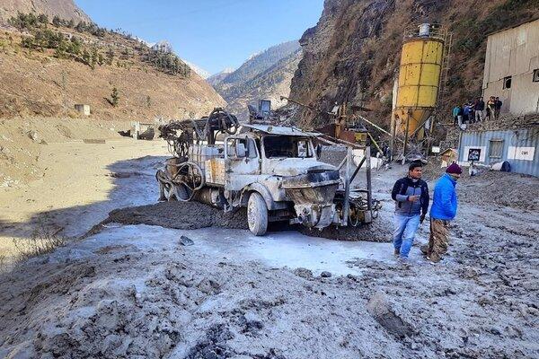 Ấn Độ giải cứu công nhân mắc kẹt trong thảm họa sông băng