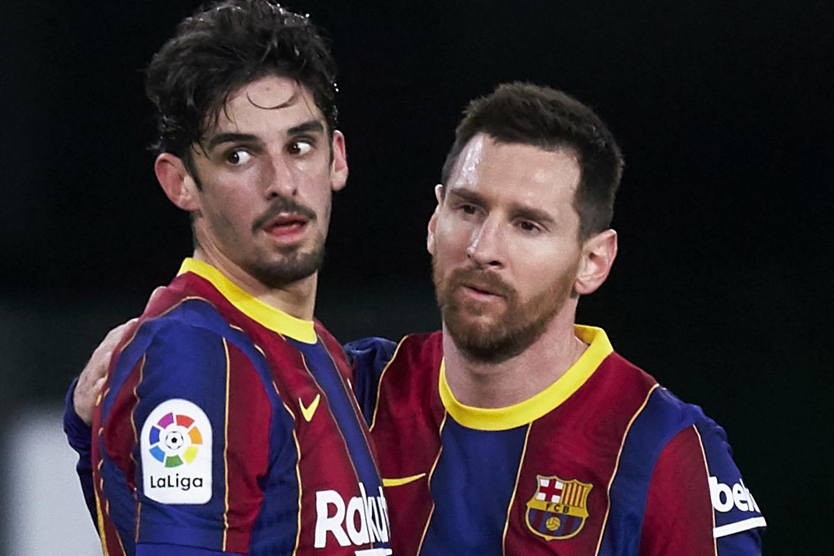 MU mua Max Aarons, PSG chốt lương Messi
