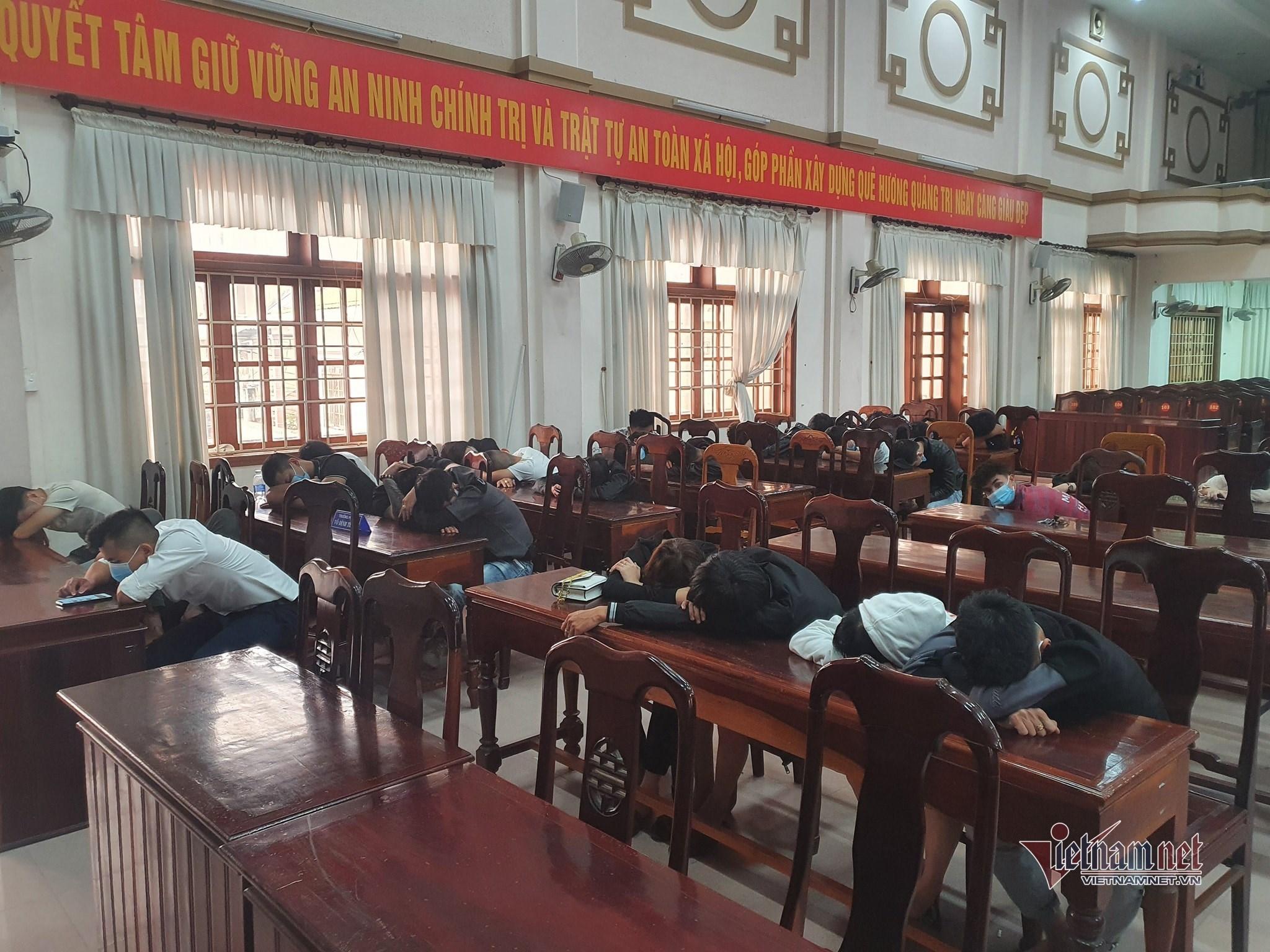 Hơn 50 nam nữ ở Quảng Trị tụ tập 'chơi' ma túy trong quán bar