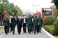 Chủ tịch Hà Nội vào khu cách ly quân đội, động viên cán bộ, chiến sĩ