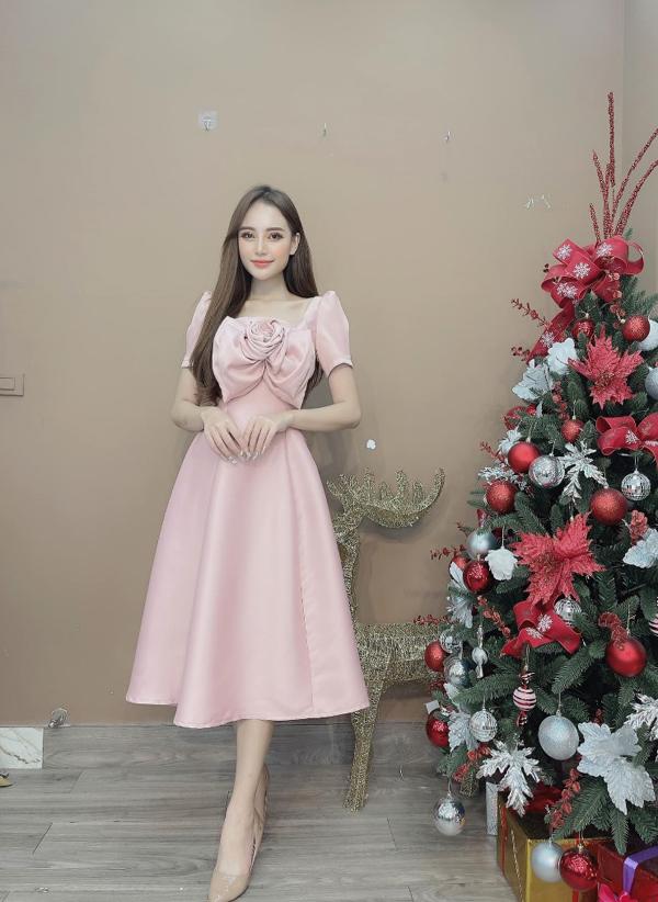 Diện váy xinh đón Tết cùng Thời trang Phạm Bích Phượng