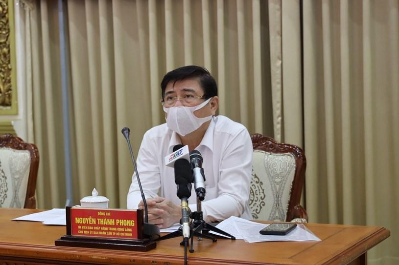TP.HCM tạm dừng các dịch vụ không thiết yếu từ 12h ngày 9/2