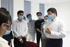 Sinh viên quên Tết ở lại TP.HCM chống dịch Covid-19